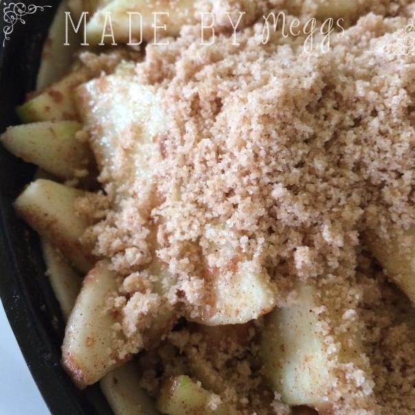 Cast Iron Skillet Apple Pie - More at MadeByMeggs(dot)com (3)